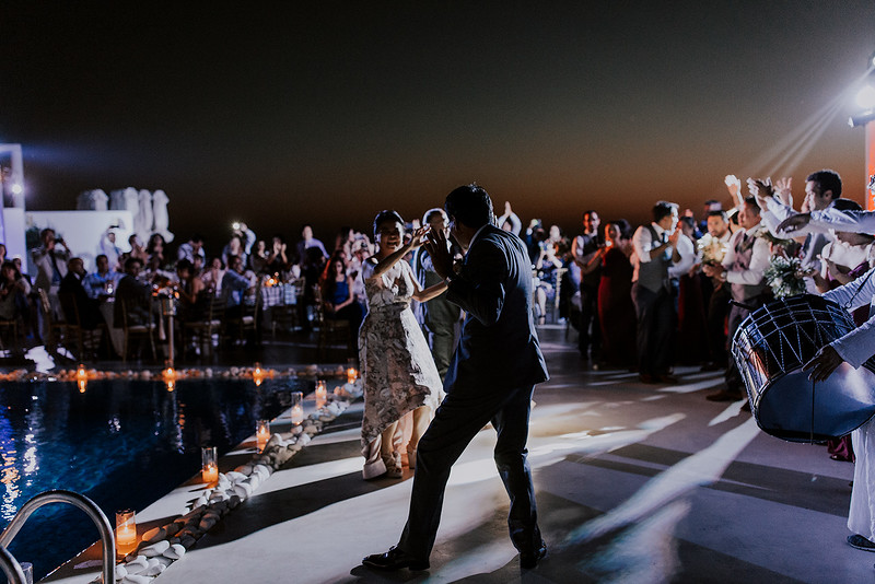 Tu-Nguyen-Destination-Wedding-Photographer-Santorini-Rocabella-Hotel-Euna-Ehsan-730.jpg