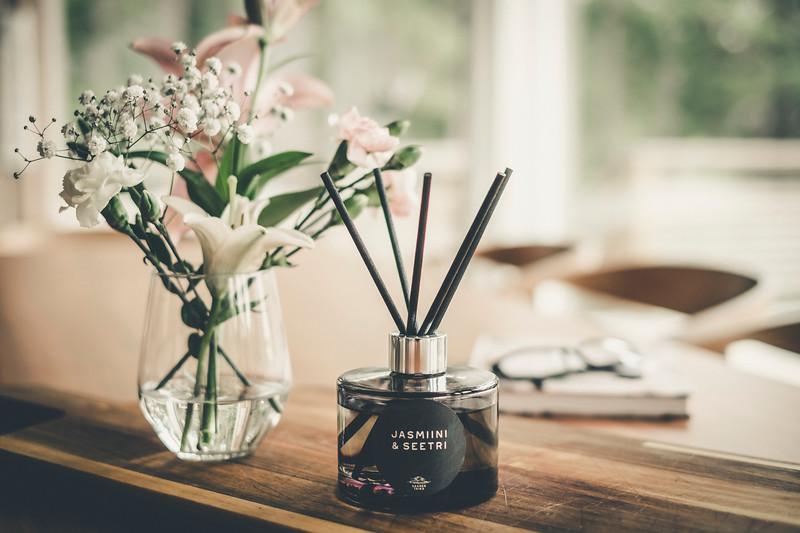 Saaren Taika huonetuoksu tuoksukynttilät sisustus lifestyle (27 of 30).jpg