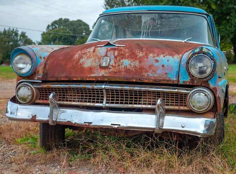 01 Oct 21 Old car near Troutman-1.jpg