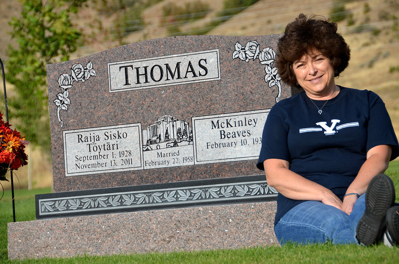 2012-9-16 ––– I drove Lisa over to her mom's grave site. She likes to visit every time we are in town. It was a great afternoon for a photo.