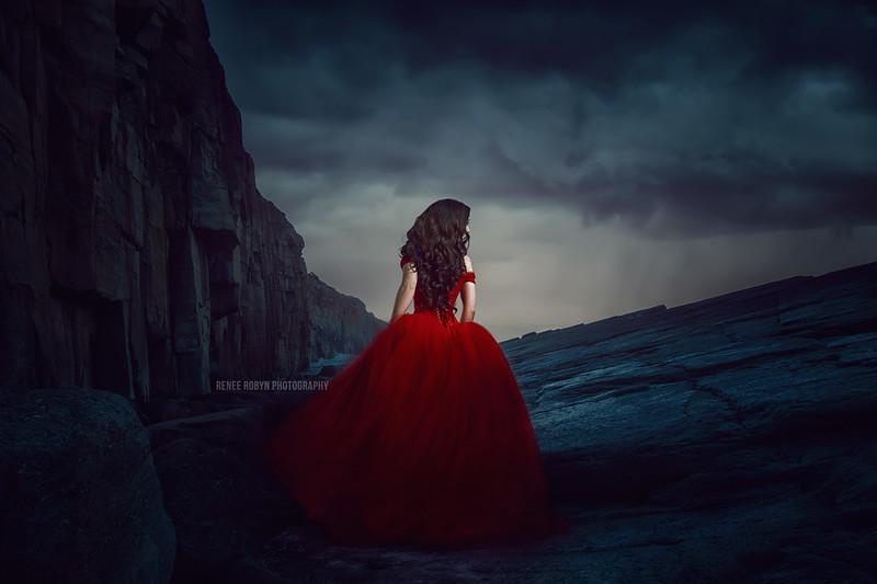 Linda-Freisen00198-Red-Dress-finalWEB.jpg