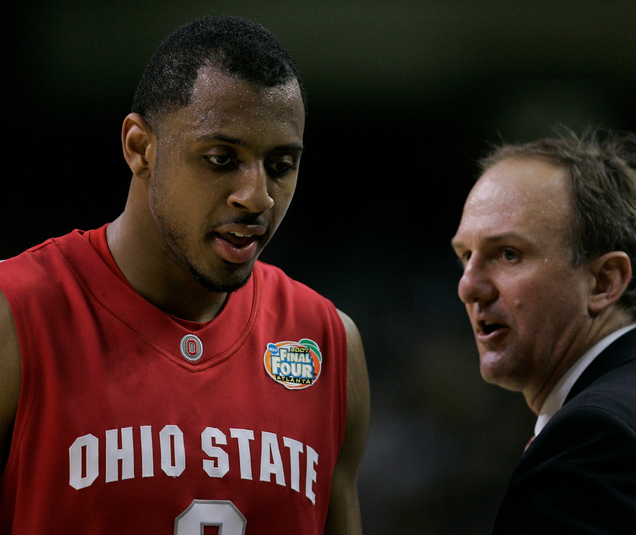 . Ohio State coach Thad Matta talks to Ivan Harris during the second half of the Final Four basketball championship game against Florida at Georgia Dome in Atlanta, Monday, April 2, 2007. (AP Photo/Eric Gay)