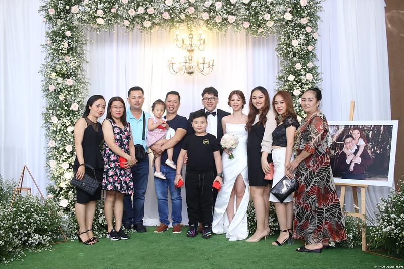 Vy-Cuong-wedding-instant-print-photo-booth-in-Bien-Hoa-Chup-hinh-lay-lien-Tiec-cuoi-tai-Bien-Hoa-WefieBox-Photobooth-Vietnam-108.jpg