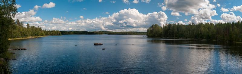 Lake Kinninjärvi Panorama.jpg