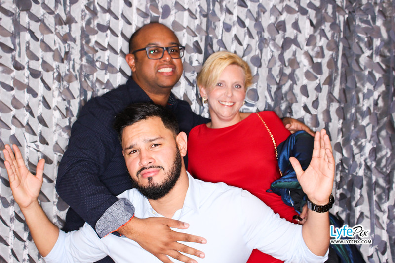 red-hawk-2017-holiday-party-beltsville-maryland-sheraton-photo-booth-0255.jpg