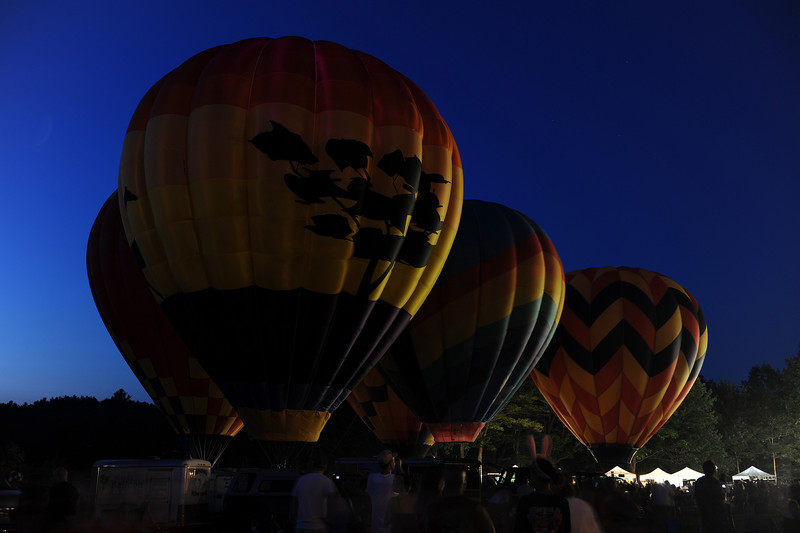 """Very soon after we arrived, these balloons started keeling over. Only the one in front continued to put on a """"light show."""""""