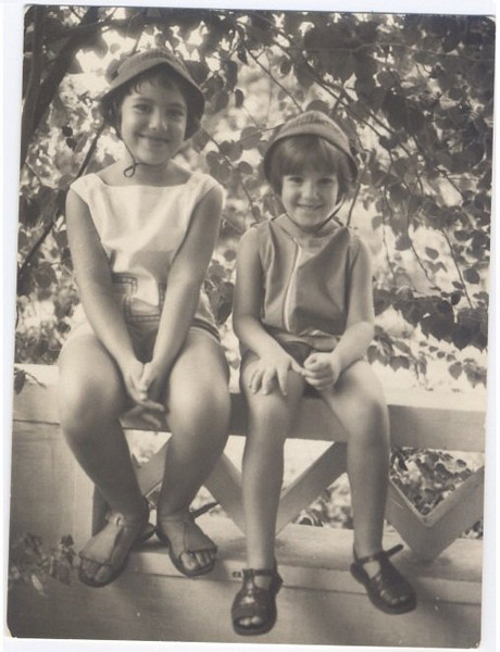 Andrada- manas Beato: Teresa e Ruth