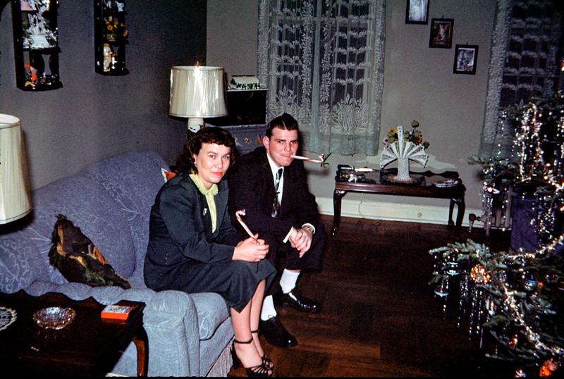uncle eddie and aunt flo christmas.jpg