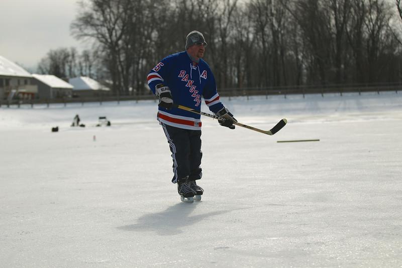 20140208_EMCphotography_PondHockeyCongersLakeNY-25.jpg