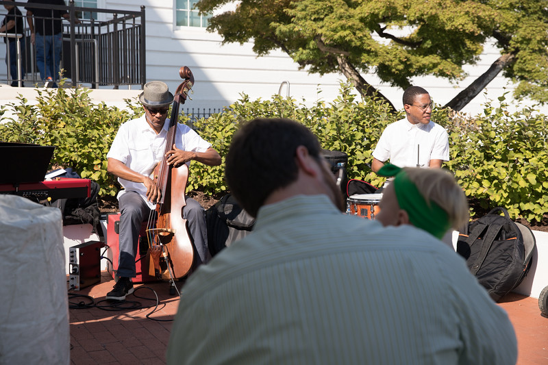 Jazz band performs for father and daughter. photo by Bruce Allen. LIFT DC Jazz Brunch