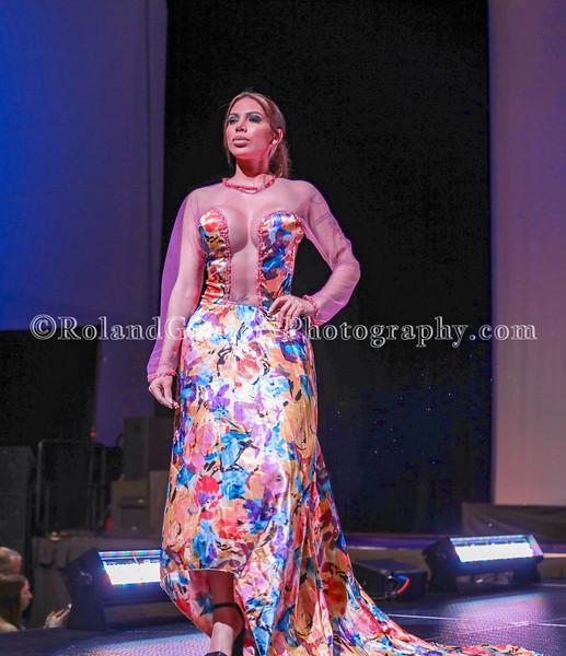 100 Womens Fashion show2019-3360.jpg