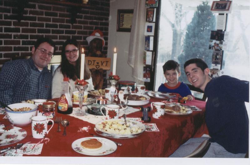 Breakfast_at_Mom_Dave_s_Christmas_02.jpg