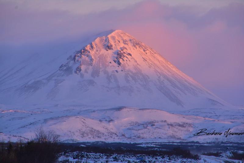 IcelandMtnSideofroadDay1SM.jpg