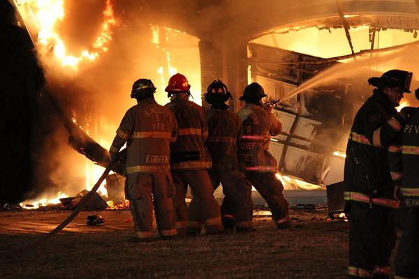 03/19/2011 - Large Working House Fire... Huntingtown, MD