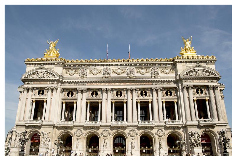 Standard touristy shot of the Opera House.