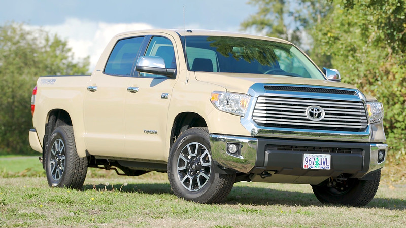 2017 Toyota Tundra TRD Parked Reel