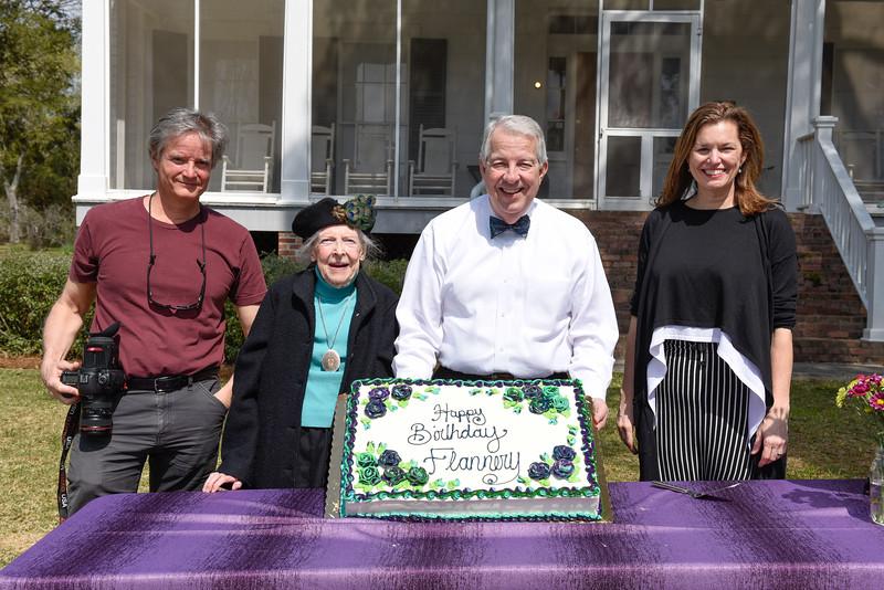 Flannery's Birthday-6374.jpg