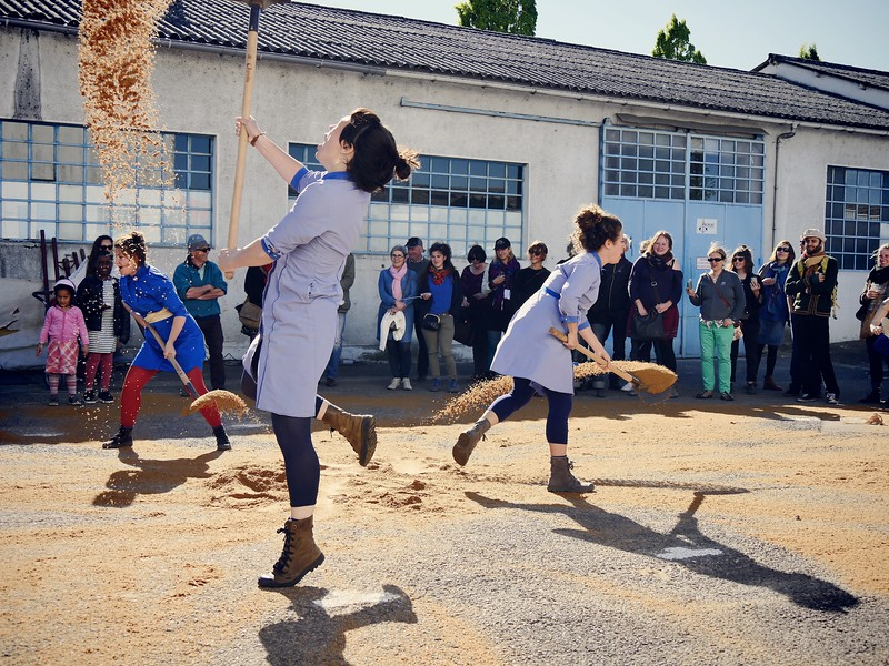 le dimanche, 17h : Les armoires pleines, Une vue de l'esprit - http://www.lesarmoirespleines.com/creations.htm?show_id=6
