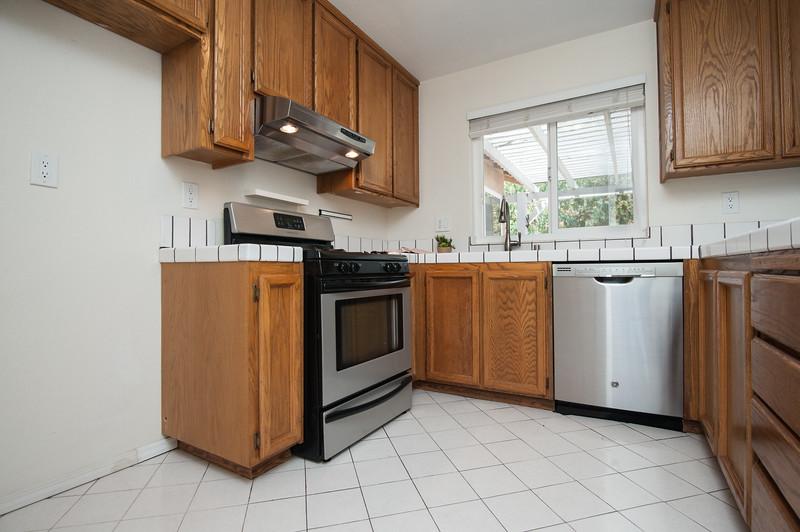 kitchen (2 of 5).jpg