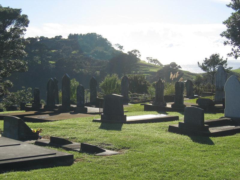 leigh_graveyard_3.jpg
