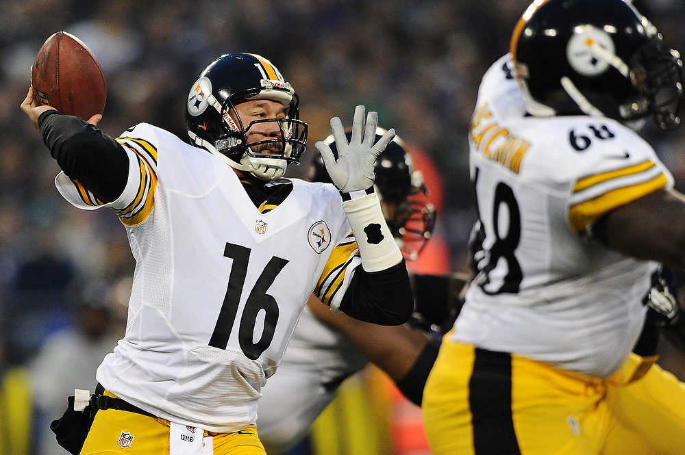 . Quarterback Charlie Batch #16 of the Pittsburgh Steelers throws against the Baltimore Ravens in the first quarter at M&T Bank Stadium on December 2, 2012 in Baltimore, Maryland. (Photo by Patrick Smith/Getty Images)