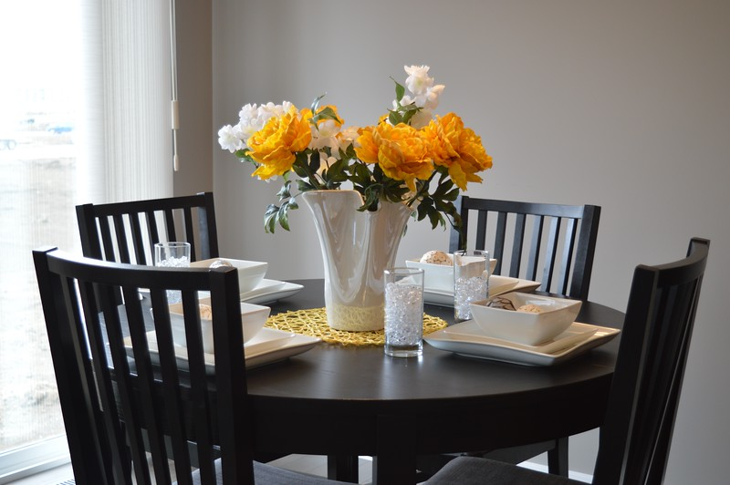 124chairs-contemporary-design-dining-271696.jpg