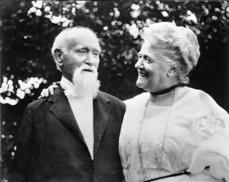 Portrait of Senator Cornelius Cole at 103 (100?) years of age with his daugher, Mrs. Brown, Hollywood, California, ca.1926
