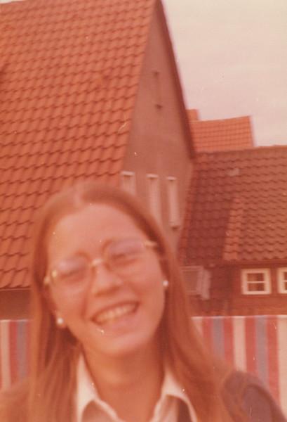 1974_Elaine_0002.jpeg