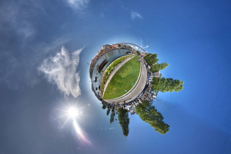 Porto esplanade hdr 1 panorama planet.jpg