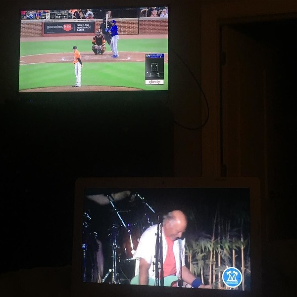 Dual screening tonite: watching the Cubs beat the Orioles up top while @jimmybuffett us live at Wrigley Field