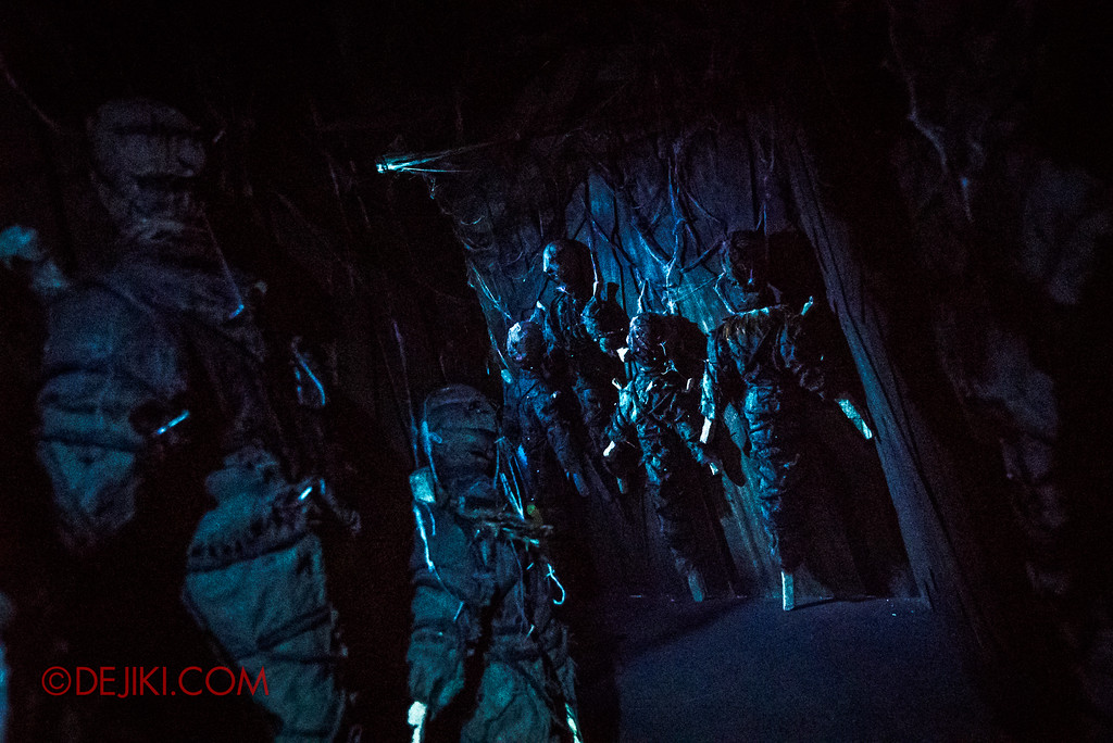 Halloween Horror Nights 7 Review - HEX haunted house / Voodoo Dolls