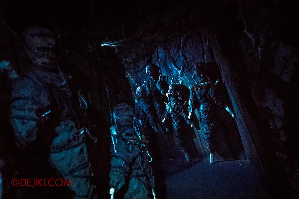 Halloween Horror Nights 7 Review - HEX haunted house / Voodoo Dolls