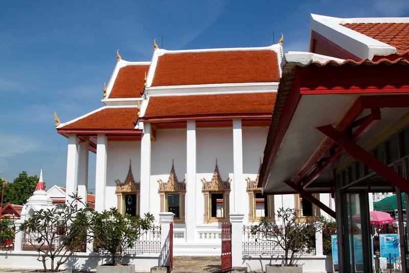 Temple on Ko Kret