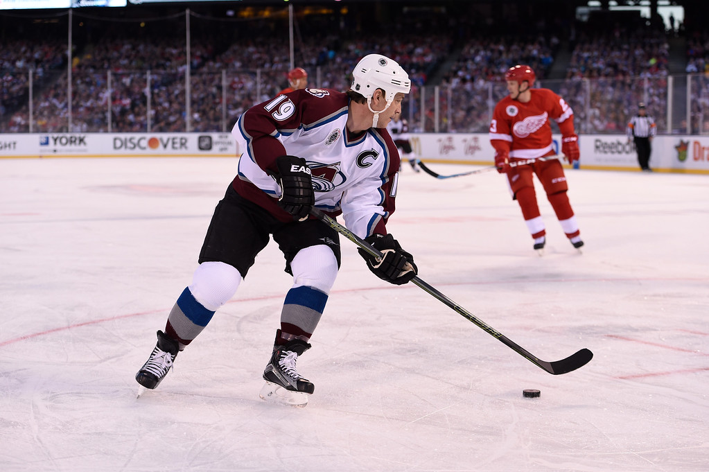 . DENVER, CO - FEBRUARY 26: Colorado Avalanche Joe Sakic (19) controls the puck against the Detroit Red Wings during the first period February 26, 2016 at Coors Field. (Photo By John Leyba/The Denver Post)