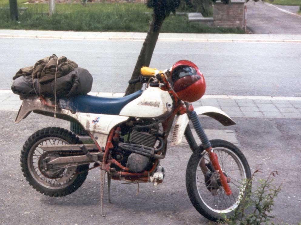 1985 Een van de eerste KTM viertakt motoren