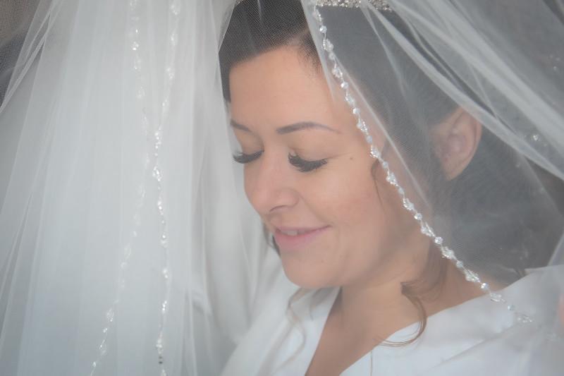 01 Bridal Prep-40.jpg