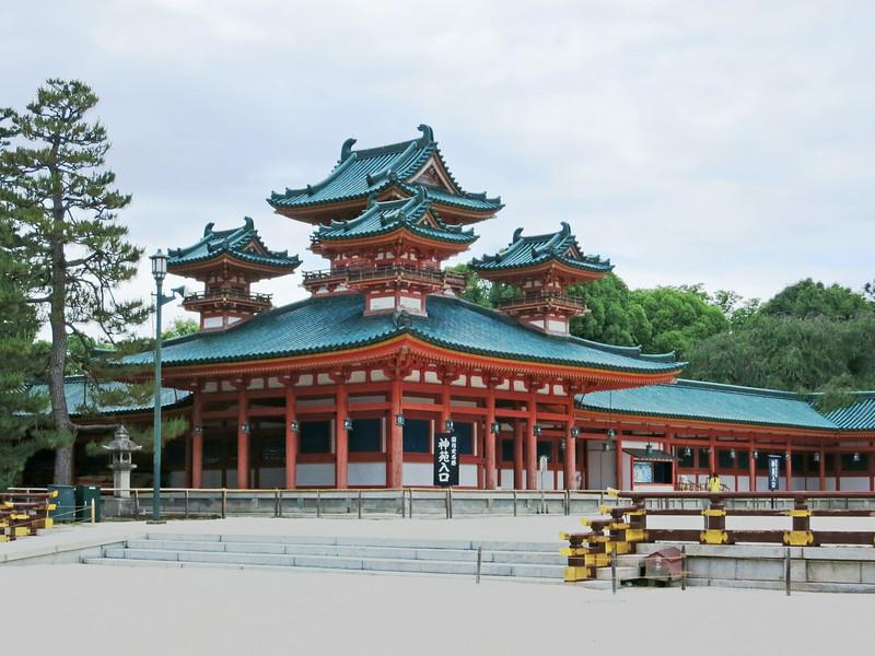 2009 Heian Shrine (Shinto, 1895).jpg
