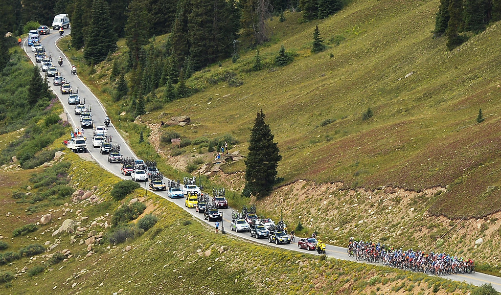 . The peloton climbs Independence Pass en route to Breckenridge from Aspen during the second stage of the 2013 USA Pro Challenge. (Photo By Hyoung Chang/The Denver Post)