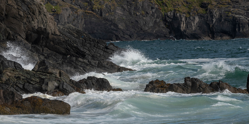 Waves breaking on the coast, Ballyferriter, County Kerry, Ireland