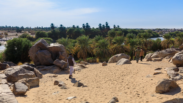 Gegenüber: Insel Tumbus im 3. Nilkatarakt