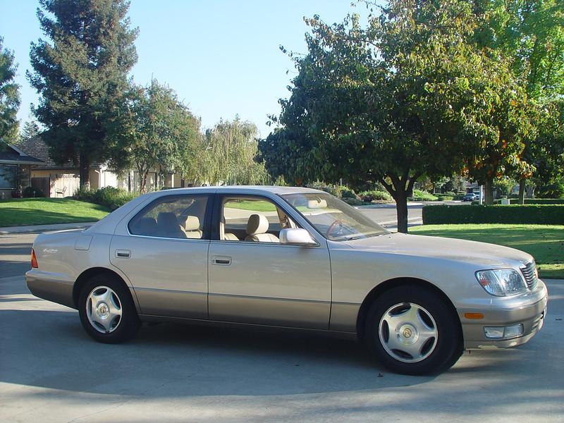 1998 Lexus LS400 Coach Edition