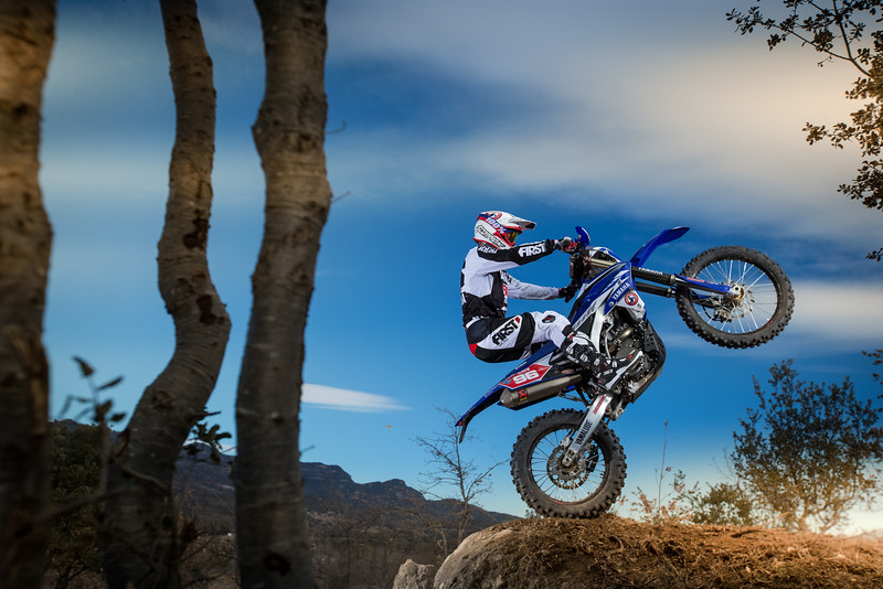 2016_Enduro2_Outsiders_Official_WR450F_Guerrero_Action 7.jpg