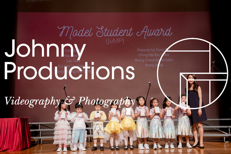 0082_day 1_award_red show 2019_johnnyproductions.jpg