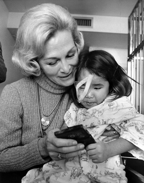 . Dorothy DeBolt cuddles with Wendy on Nov. 19, 1973. (Prentice Brooks/Bay Area News Group Archivess)