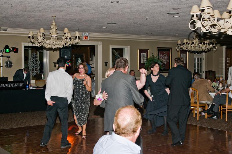 181 Mo Reception - Dance Floor.jpg