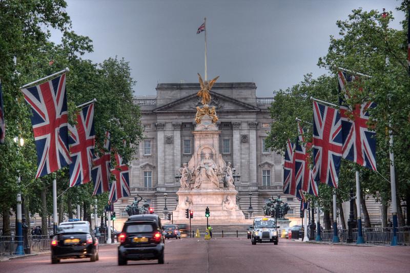 Buckingham Palace. London, UK (HDR)