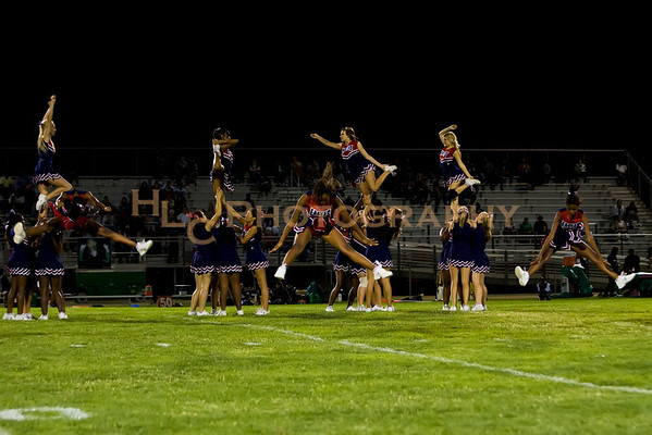 10/01/10 LnHS vs. Palmdale-Varsity Cheer
