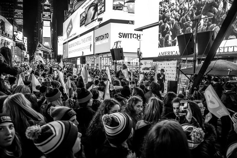 C-Teen Shabbaton Times Square kids from around the world0017.JPG