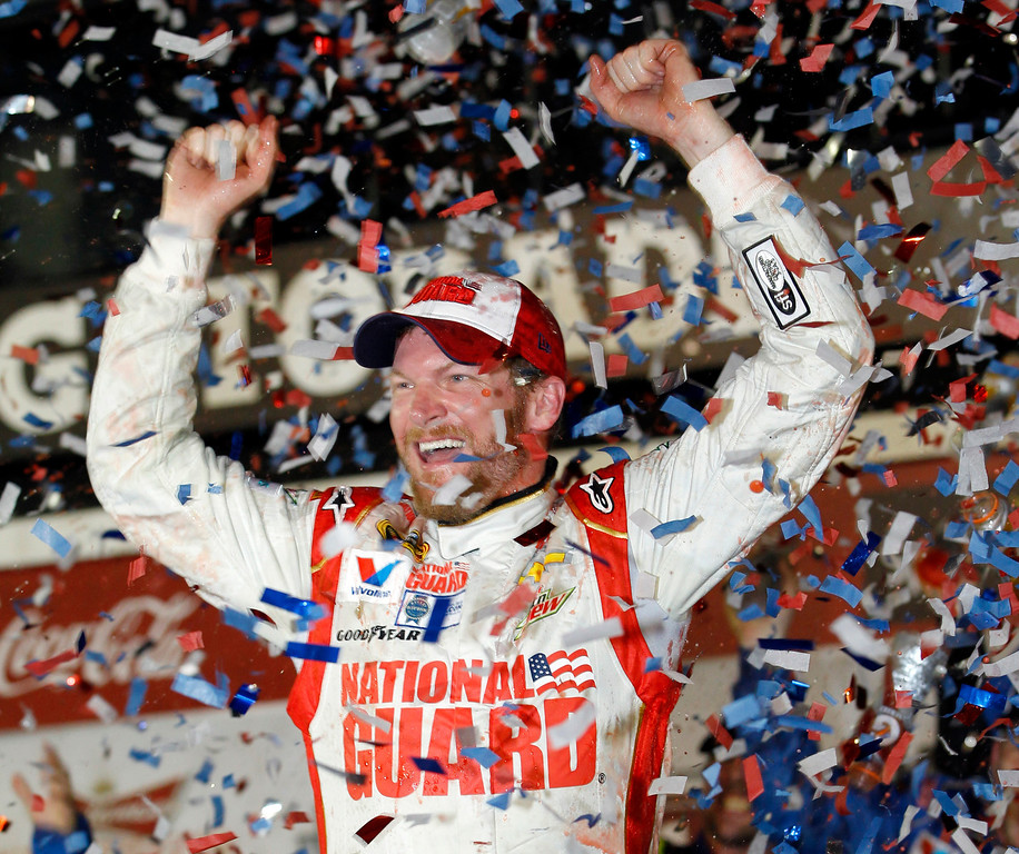 ". <p>8. DAYTONA 500 <p>Most Americans now free to ignore NASCAR again until next February. (1) <p><b><a href=\'http://www.twincities.com/sports/ci_25215541/daytona-500-not-even-juniors-win-can-save\' target=""_blank\""> HUH?</a></b> <p>    (AP Photo/Terry Renna)"