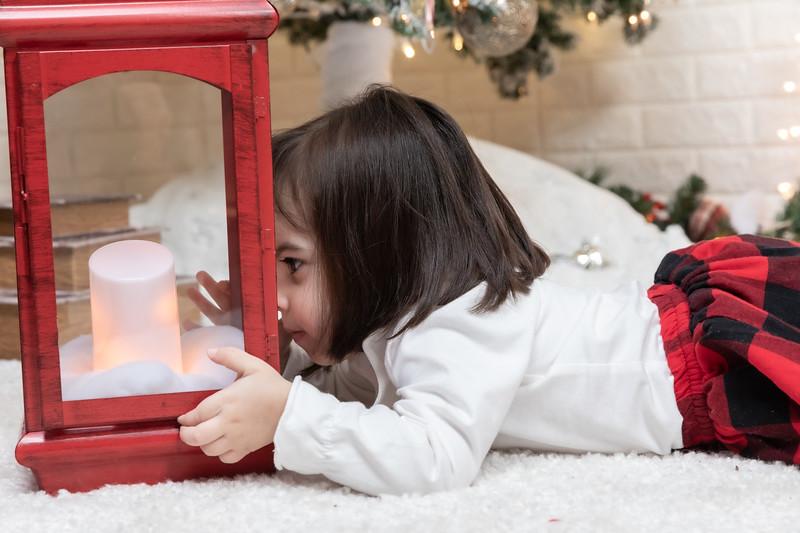 12.21.19 - Fernanda's Christmas Photo Session 2019 - -85.jpg